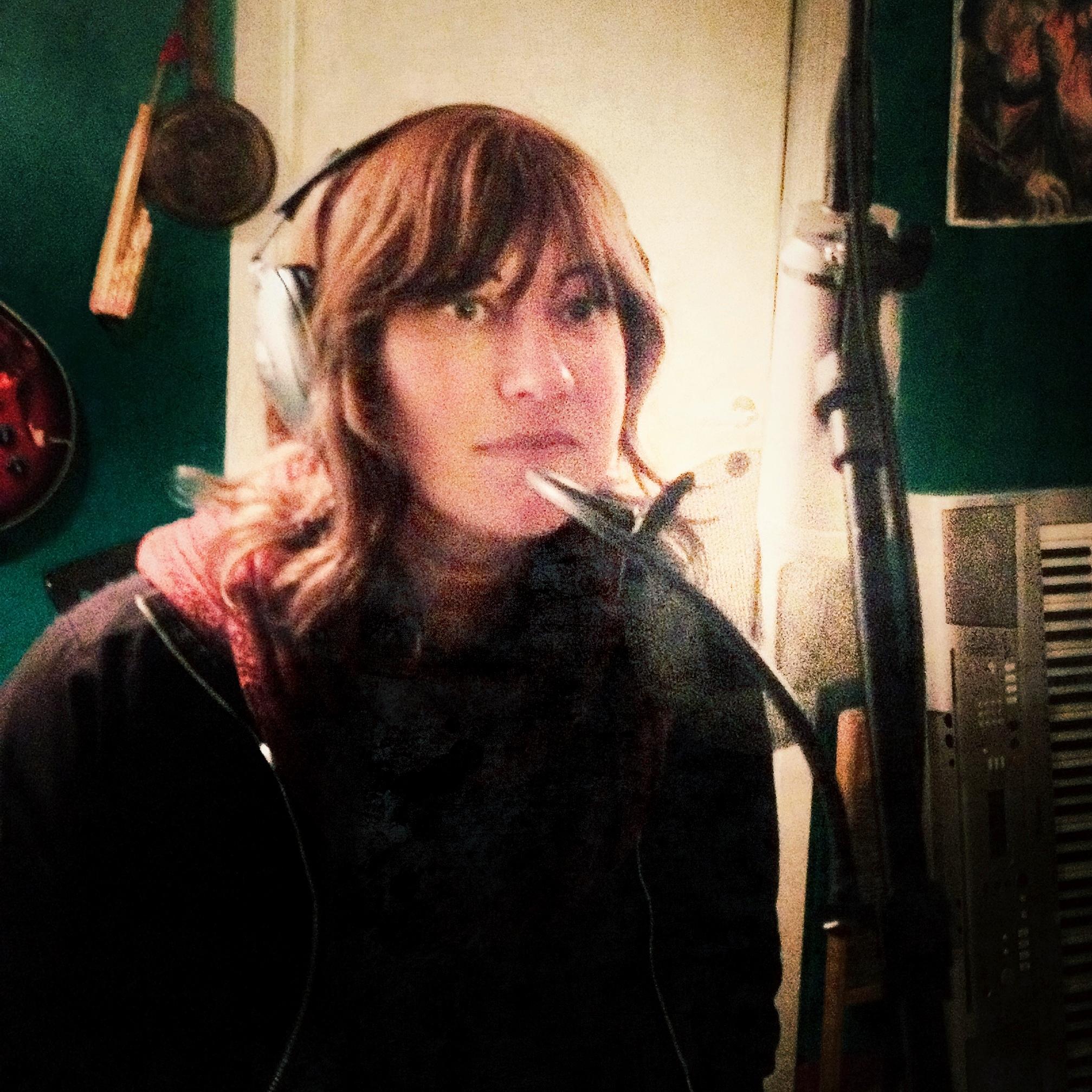 Hanna i studio